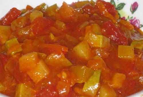 Салат из кабачков в томатной пасте на зиму