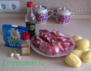 Рецепт свиных ребрышек в духовке с картошкой