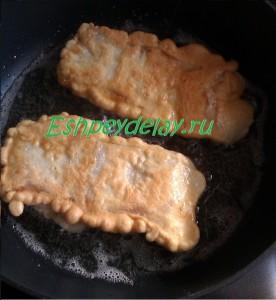 пангасиус в кляре на сковороде