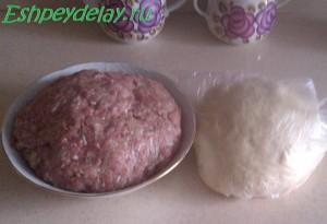 фарш и тесто для домашних пельменей