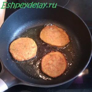 икрянники на сковороде