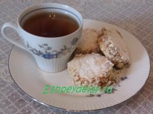 печенье и чашка чая