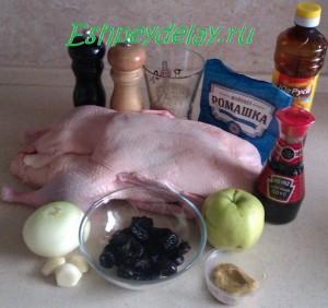 Рецепт утки запеченной с яблоками и черносливом