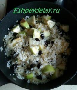 яблоки, чернослив, рис для фарширования утки