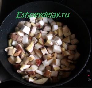 грибы в сковороде