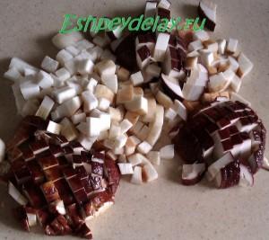порезанные белые грибы