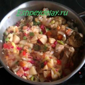 овощное рагу с мясом курицы