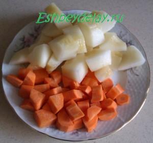 кусочки дыни и моркови