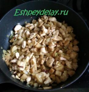 грибы курица лук на сковороде