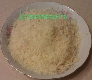 тертый на мелкой терке сыр