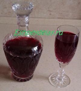 Домашнее вино из малины и черной смородины