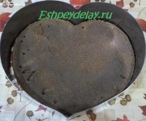 корж от торта в виде сердца