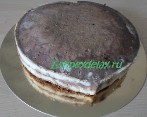 сформированный торт в виде сердца