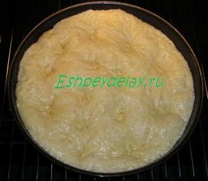 Сахарный пирог со сливками в форме для запекания