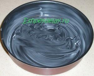 форма для выпечки смазанная маслом