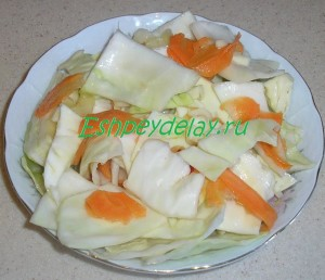 маринованная капуста с морковью и чесноком