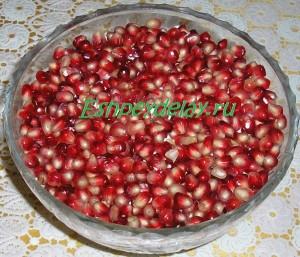 Салат с гранатом и грецкими орехами