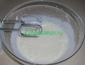 йогурт с сметаной и сахаром
