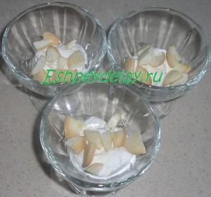 печенье и крем для десерта в креманках