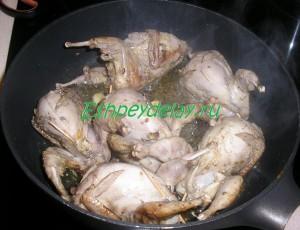 жаренные перепелки на сковороде
