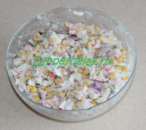 салат рис крабовые палочки кукуруза яйца