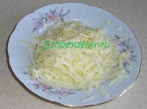 тертый на крупной терке сыр