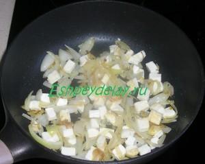 лук обжаренный с сыром