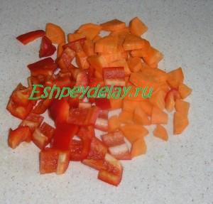 морковь и перец кусочками