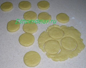 формируем песочное печенье