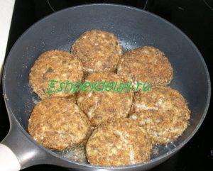 тефтели из гречки с грибами на сковороде