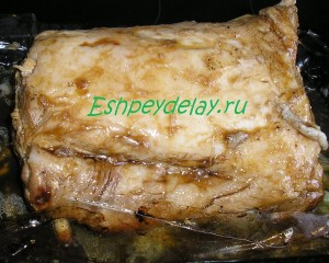 кусок свинины в медовом соусе