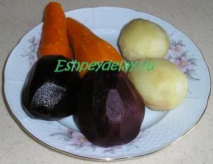 вареные овощи для салата винегрет