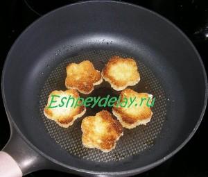 гренки обжаренные на сковороде