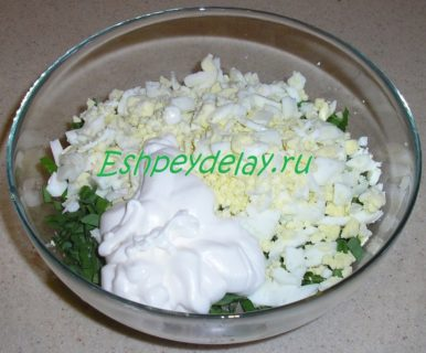 ингредиенты для салата из черемши с сайрой