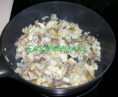 грибы жареные с луком