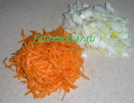 морковь и лук для куриного супа