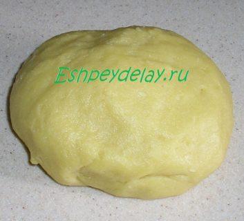тесто для печенья с ягодой