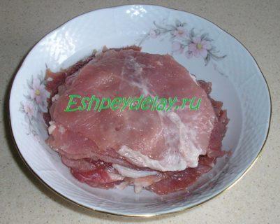 мясные отбивные маринуются
