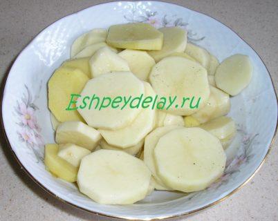 картофель нарезанный пятаками
