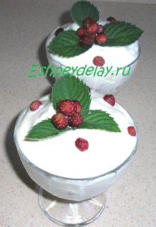 Десерт из лесной клубники