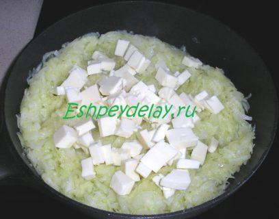 сыр с кабачком на сковороде