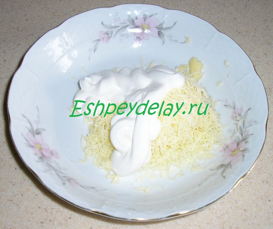 тертый сыр с майонезом