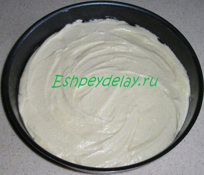 тесто для пирога в форме для запекания