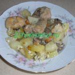 курица с грибами в горшочках