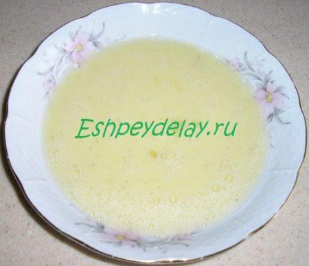 взбитые яйца с молоком