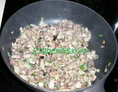 жареные грибы с луком