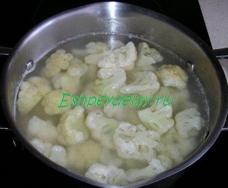 Бульон с картофелем и цветной капустой