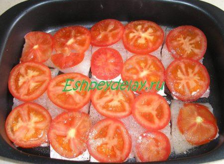 судак с помидорами