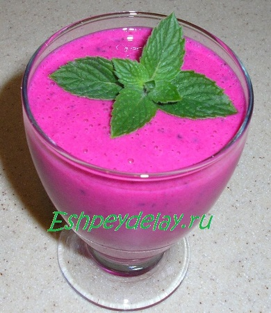 Молочный коктейль из питохайи
