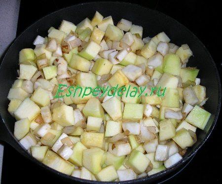 Овощи обжареные с кабачком